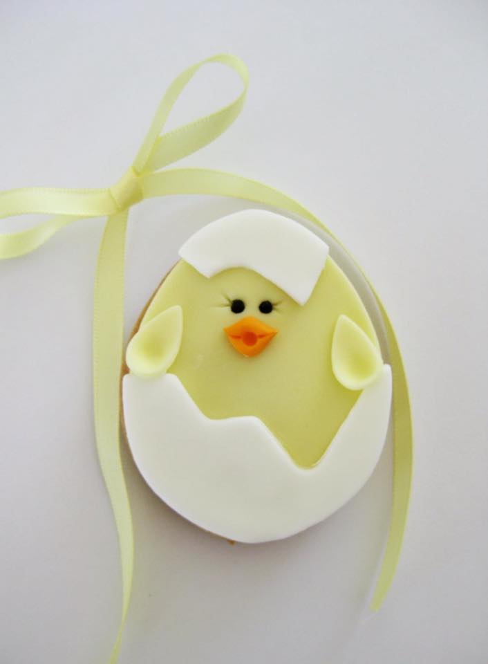 Hatching chick in eggshell cookie by Jessica Atkins - Rosy Cakes