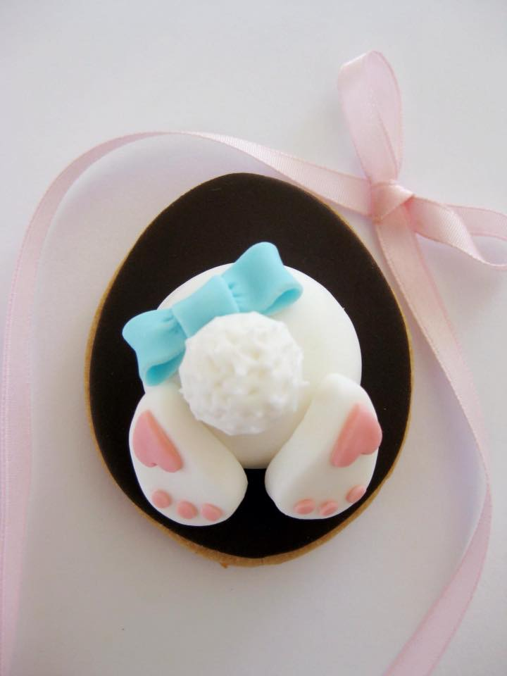 Cute Easter bunny bum cookie by Jessica Atkins - Rosie Cakes