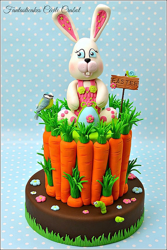 Easter Bunny and Carrots Cake by Fantasticakes Cecile Crabol