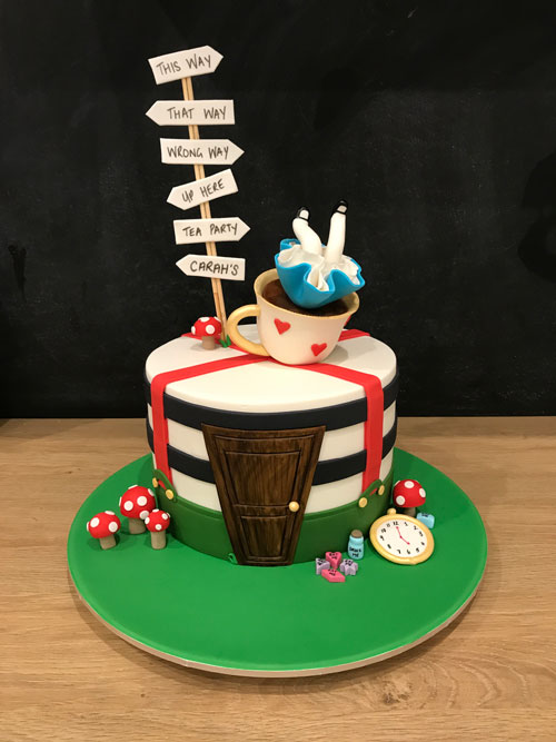 Alice in wonderland cake by Aleisha