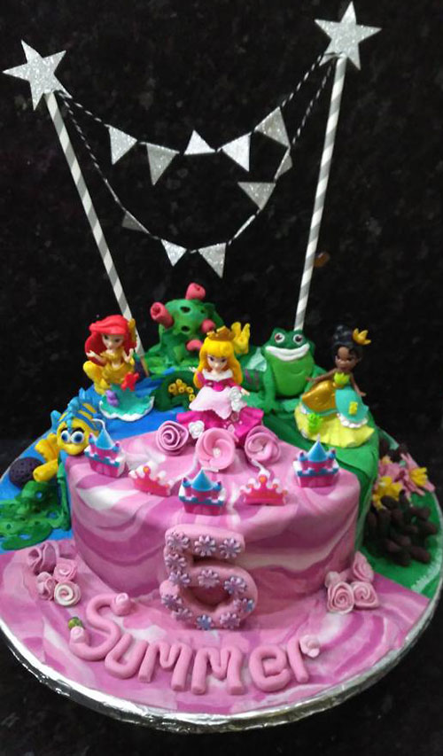 Disney princesses cake by Sorraya