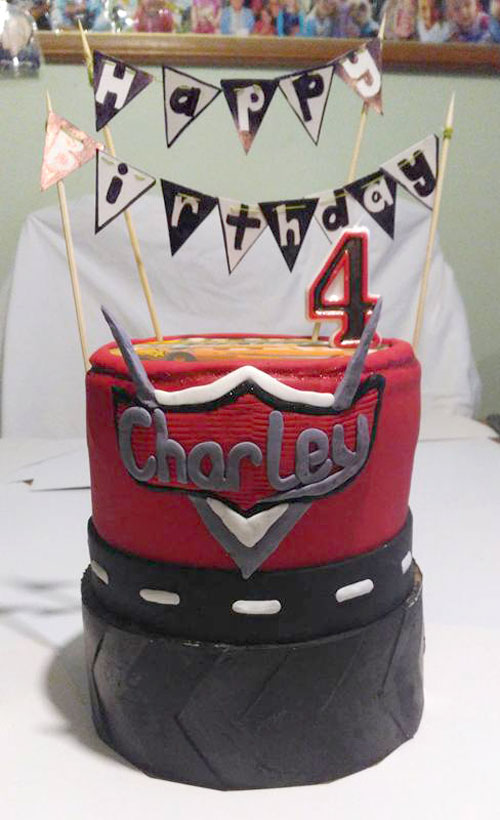 Lightening McQueen Cake by Sorraya