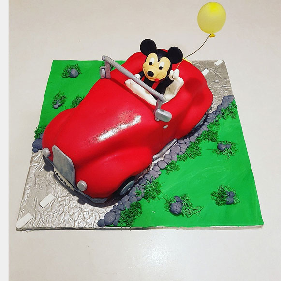 Minnie Mouse cake by Nolene Smit