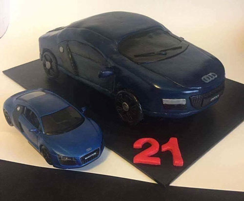Car cake by Laura Craven
