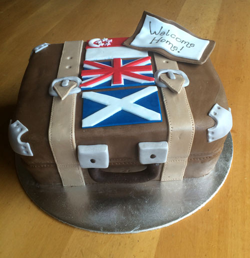 Suitcase cake by Tania Jeffery