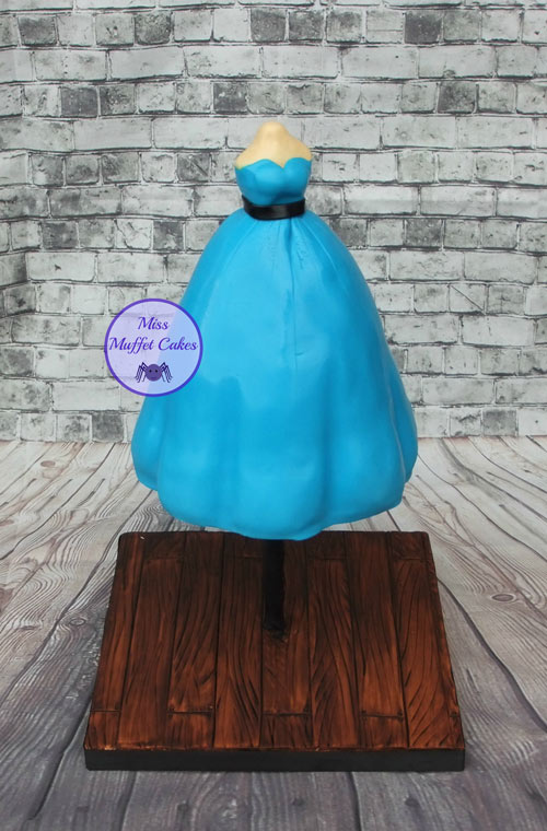 Dress cake by Miss Muffet Cakes