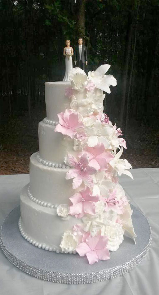 Wedding cake by Deana Moore