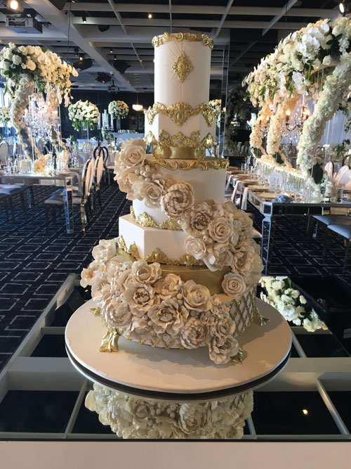 Wedding cake by Laura